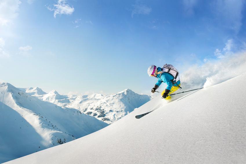 préparateur mental et skieuse en freeride
